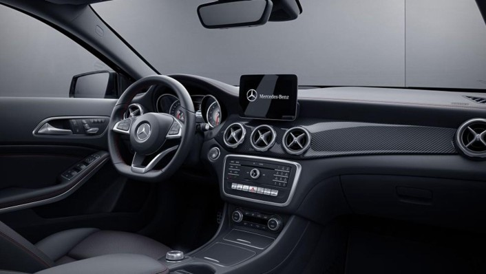 Mercedes-Benz AMG GLA (2019) Interior 001