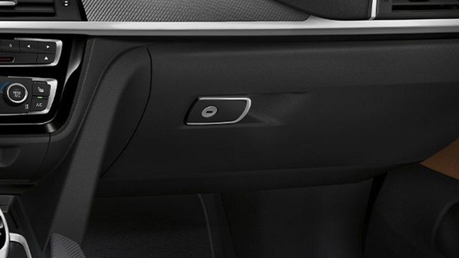 BMW 4 Series Coupe (2019) Interior 009