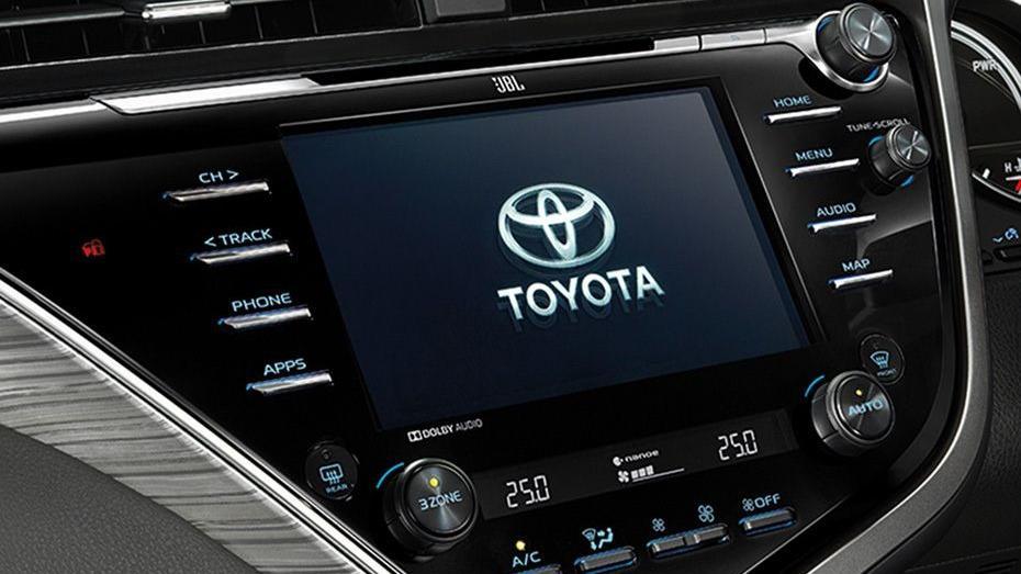 Toyota Camry (2019) Interior 008