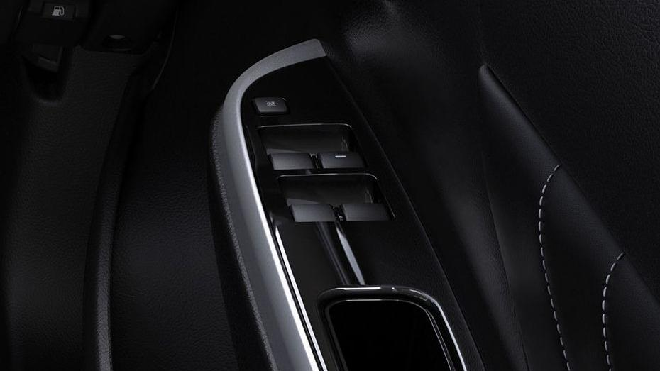 Mitsubishi Triton (2019) Interior 012