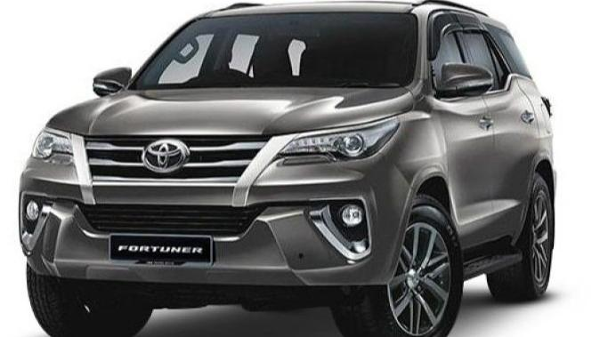 Toyota Fortuner (2018) Others 005
