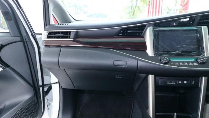 2018 Toyota Innova 2.0G (A) Interior 005