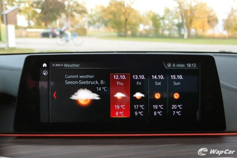 2019 BMW 530e infotainment system
