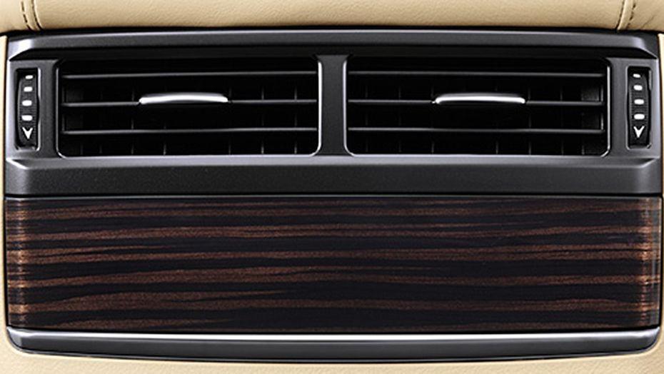 Lexus LX (2018) Interior 007