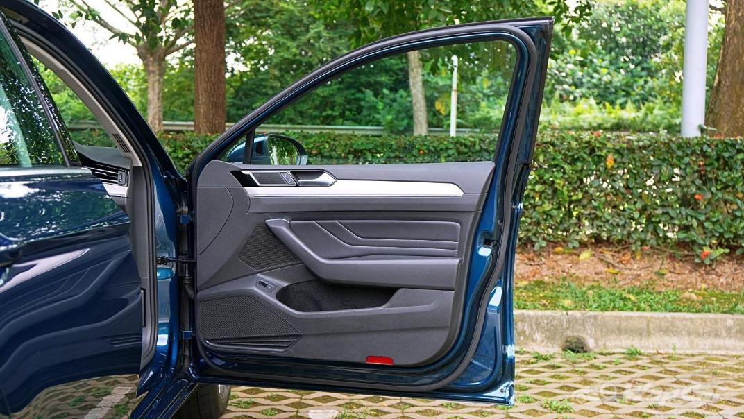 2020 Volkswagen Passat 2.0TSI Elegance Interior 079