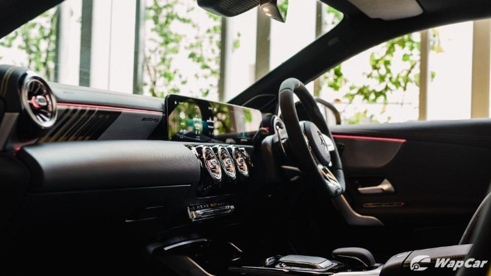 2020 Mercedes-Benz AMG A45 S Interior 009