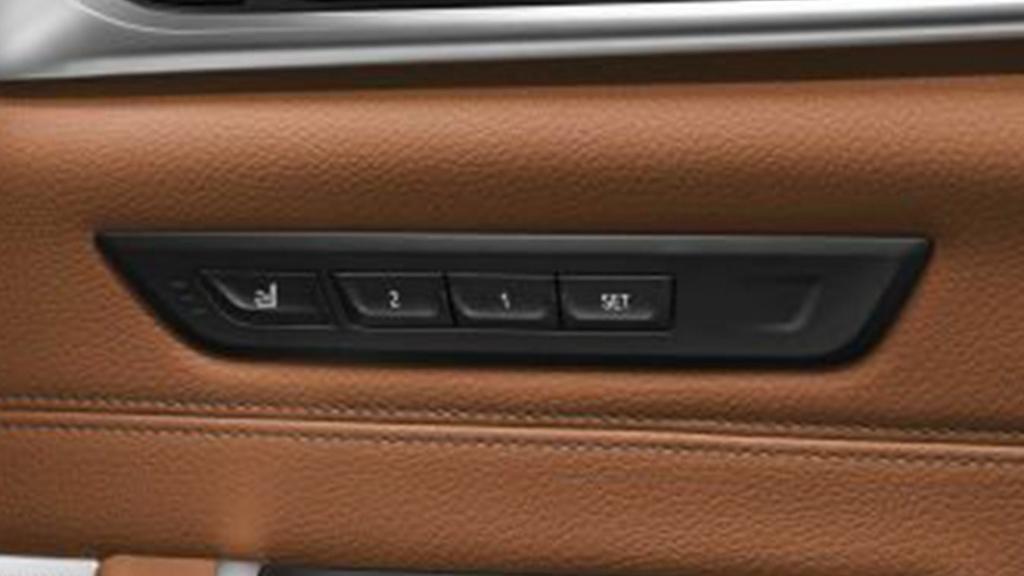 BMW 6 Series GT (2019) Interior 011