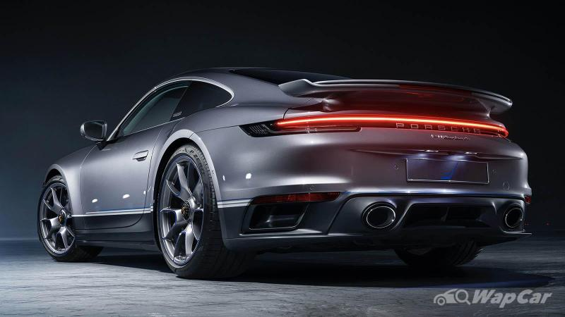 Porsche says no to full-electric Porsche 911, but a hybrid is possible 02