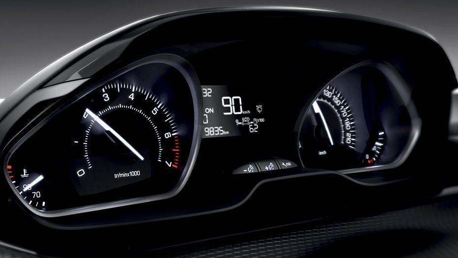 Peugeot 208 (2018) Interior 003