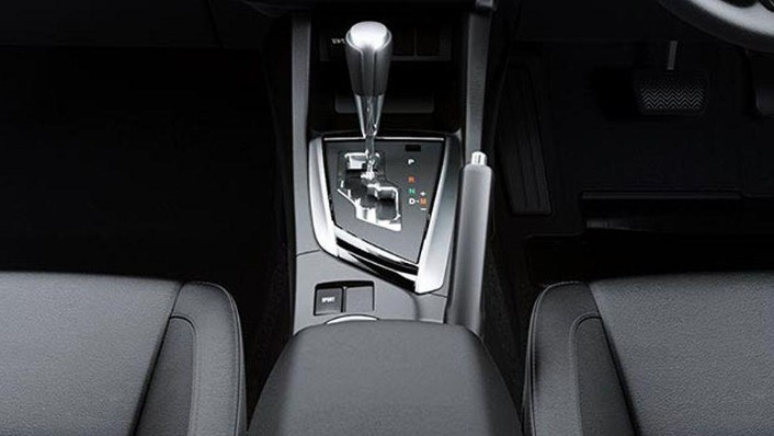 Toyota Corolla Altis (2018) Interior 007