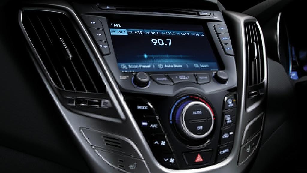 Hyundai Veloster (2017) Interior 004