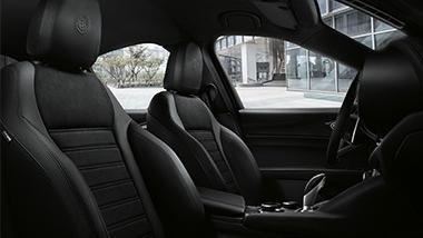Alfa Romeo Giulia (2019) Interior 043
