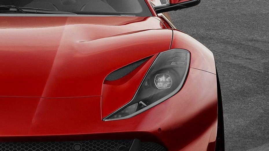 Ferrari 812 Superfast (2017) Exterior 008