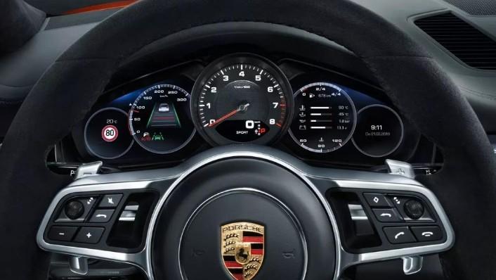 Porsche Cayenne Coupé (2019) Interior 005