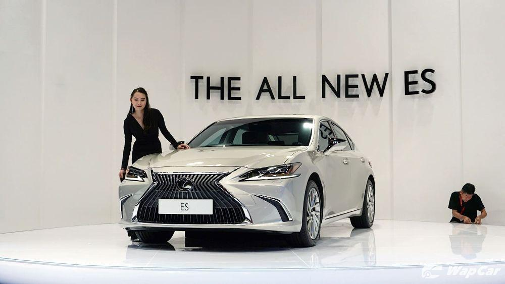 Lexus ES outsells BMW 5 Series and Mercedes-Benz E-Class in USA 01