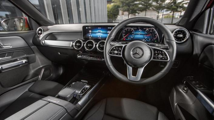 2020 Mercedes-Benz GLB 200 Progressive Line Interior 002