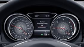 Mercedes-Benz GLA (2018) Exterior 003