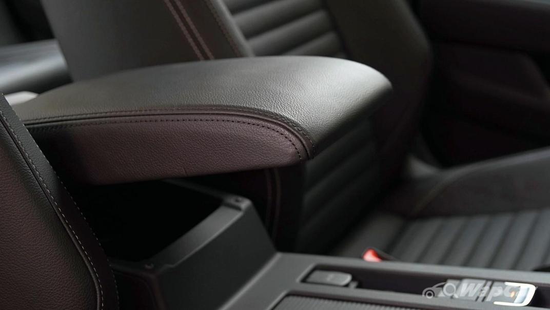 2020 Volkswagen Passat 2.0TSI Elegance Interior 051