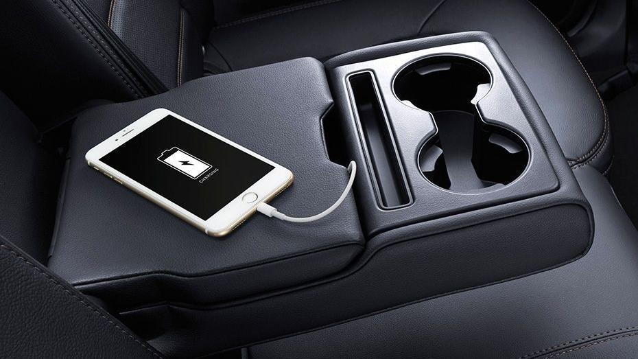 Mazda CX-5 (2018) Interior 004