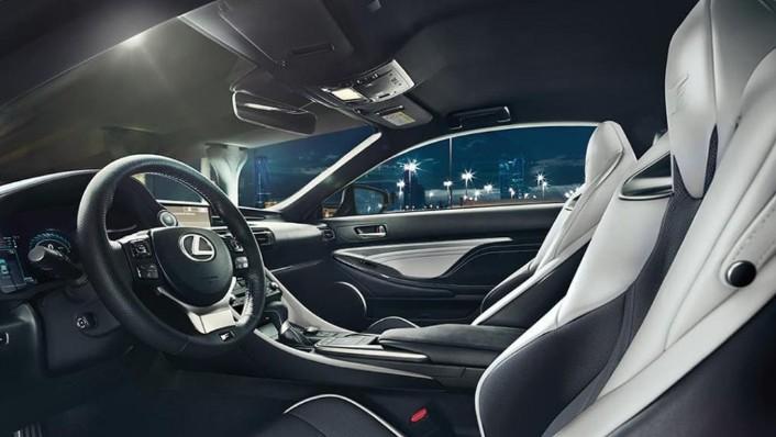 Lexus RC F (2020) Interior 007