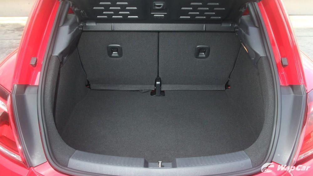 2018 Volkswagen Beetle 1.2 TSI Sport Interior 041