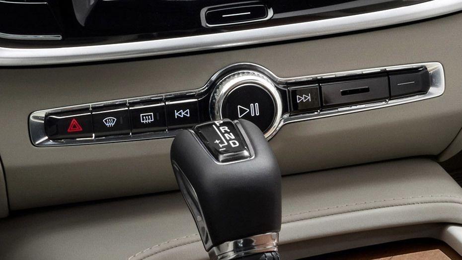 Volvo S90 (2018) Interior 005