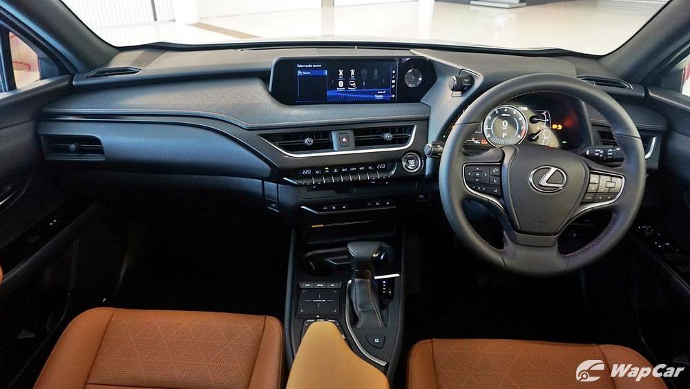 2020 Lexus UX 200 Luxury Interior 001