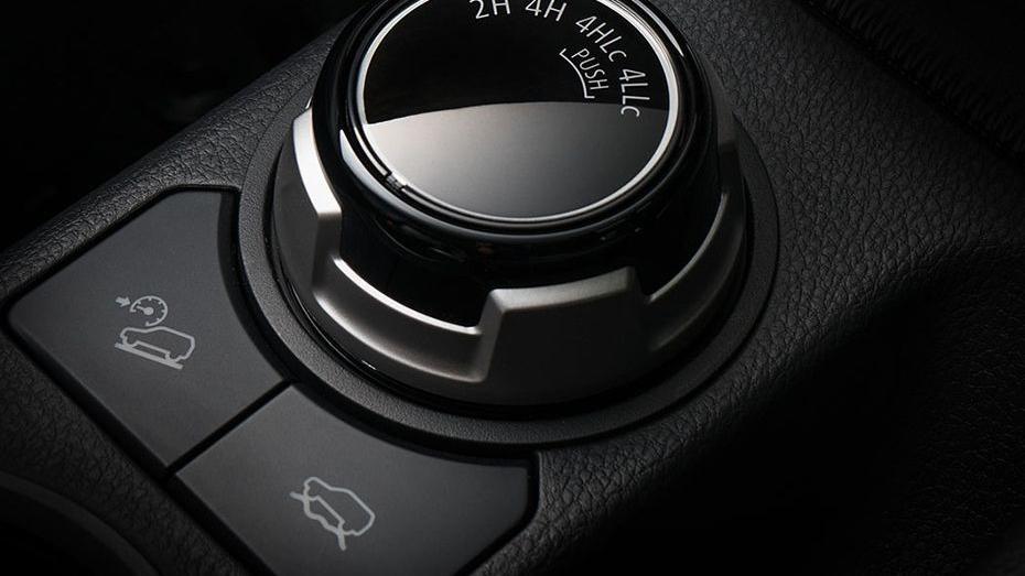 Mitsubishi Triton (2019) Interior 009