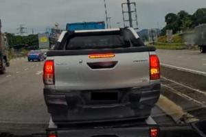 Watch: Toyota Hilux capabilities put to good use to avoid U-Turn queue