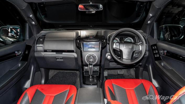 2020 Isuzu D-Max Stealth 1.9L 4×4 AT Interior 001