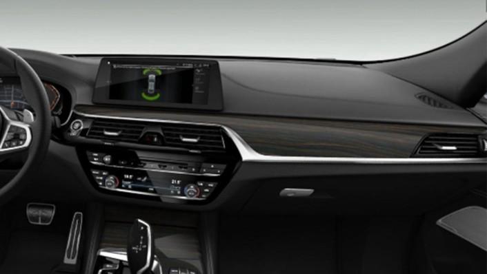 BMW 6 Series GT (2019) Interior 006