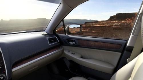 Subaru Outback (2018) Interior 010