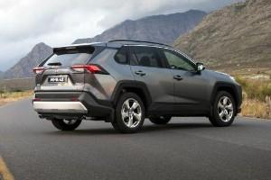 Tahukah anda, harga Toyota RAV4 sebelum cukai lebih murah berbanding Honda CR-V?