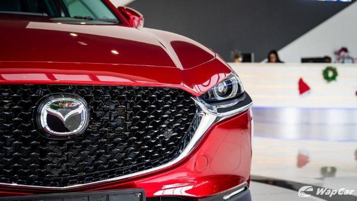 2019 Mazda 3 Sedan 2.0 SkyActiv High Plus Exterior 010