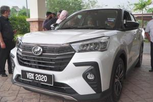 Tun M receives delivery of his Perodua Ativa; Check out that number plate!