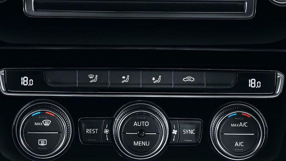 Volkswagen Passat (2018) Interior 008