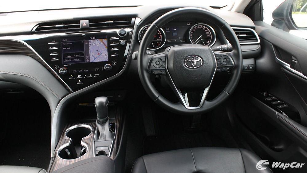2019 Toyota Camry 2.5V Interior 042