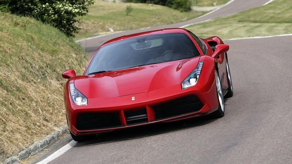 Ferrari 488 (2015) Exterior 020