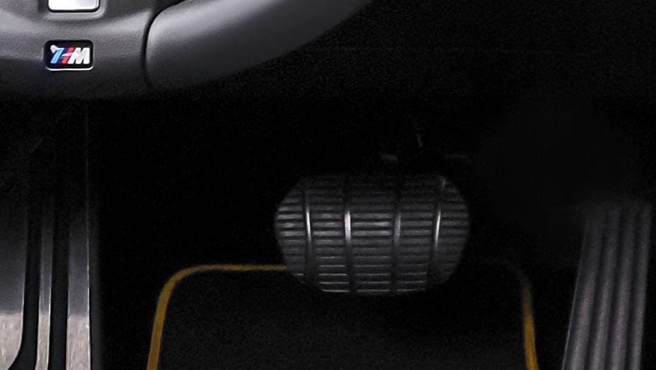BMW X2 (2019) Interior 007