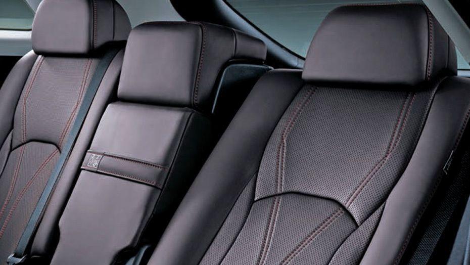 Lexus RX (2018) Interior 009