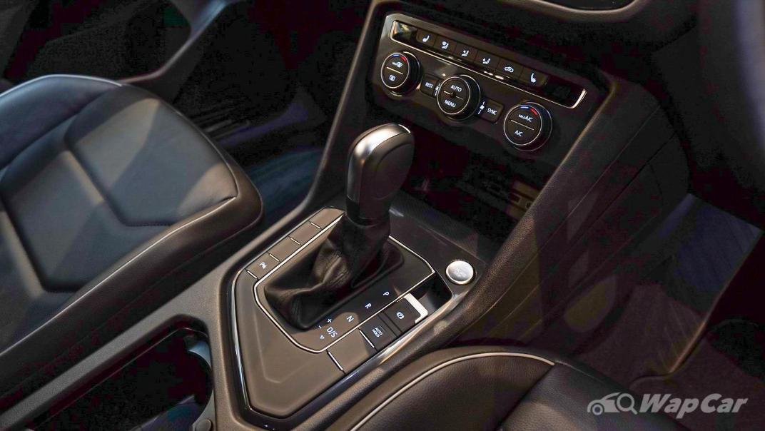 2020 Volkswagen Tiguan Allspace 2.0TSI R-Line Interior 002