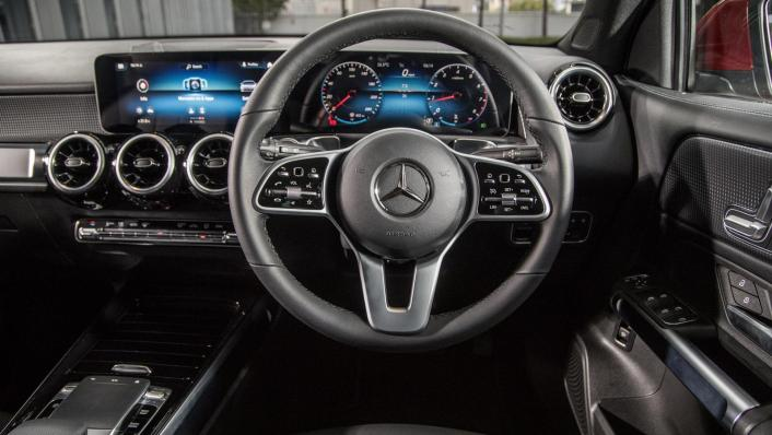 2020 Mercedes-Benz GLB 200 Progressive Line Interior 003