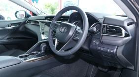 2019 Toyota Camry 2.5V Exterior 002