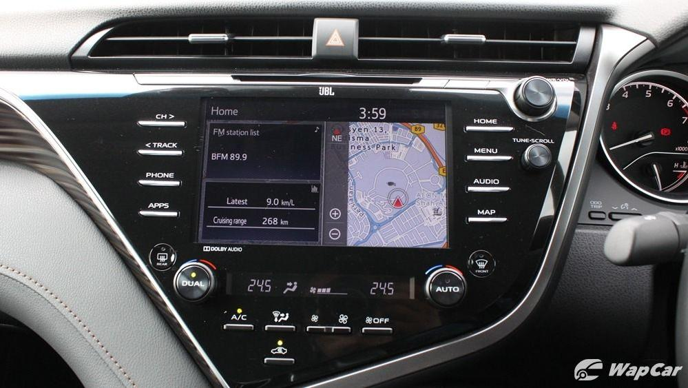 2019 Toyota Camry 2.5V Interior 046