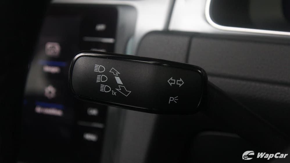 2018 Volkswagen Golf 1.4 TSI R-Line Interior 007