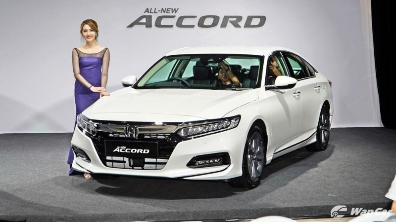 Honda Accord vs Toyota Camry vs VW Passat – Which is best for you? 02