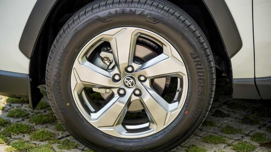 2020 Toyota RAV4 2.5L Exterior 052