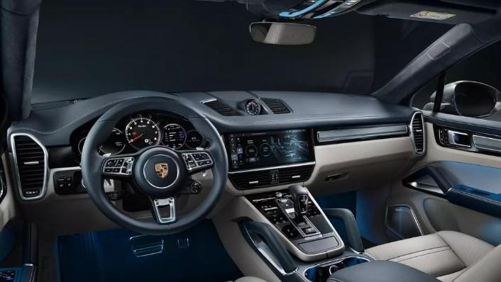 Porsche Cayenne Coupé (2019) Interior 001