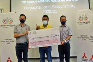 Mitsubishi Motors Malaysia donates RM 35k and several laptops to various organisation