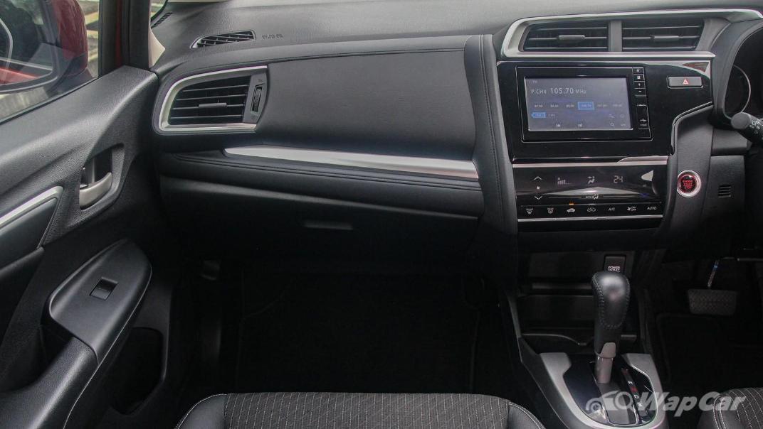 2019 Honda Jazz 1.5 V Interior 003